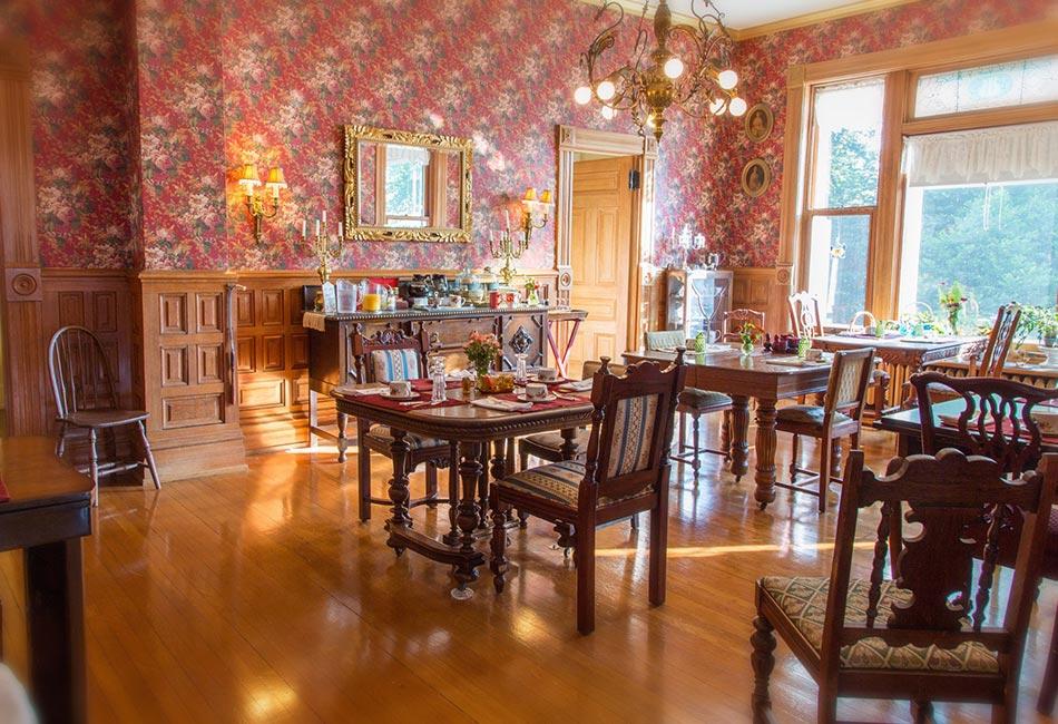 daylit dining room