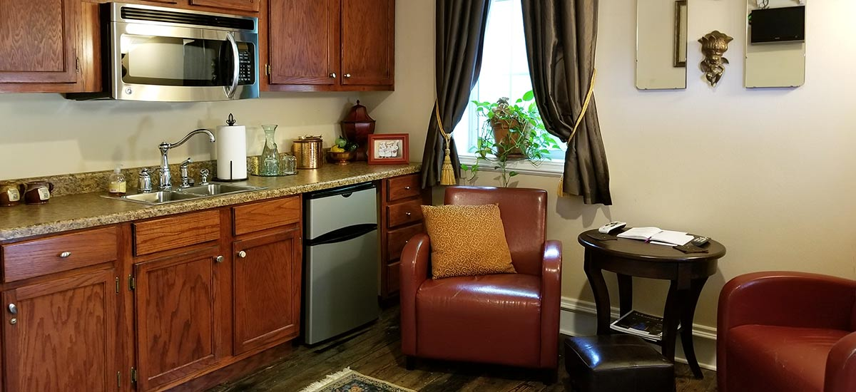 Copper Cottage Kitchenette